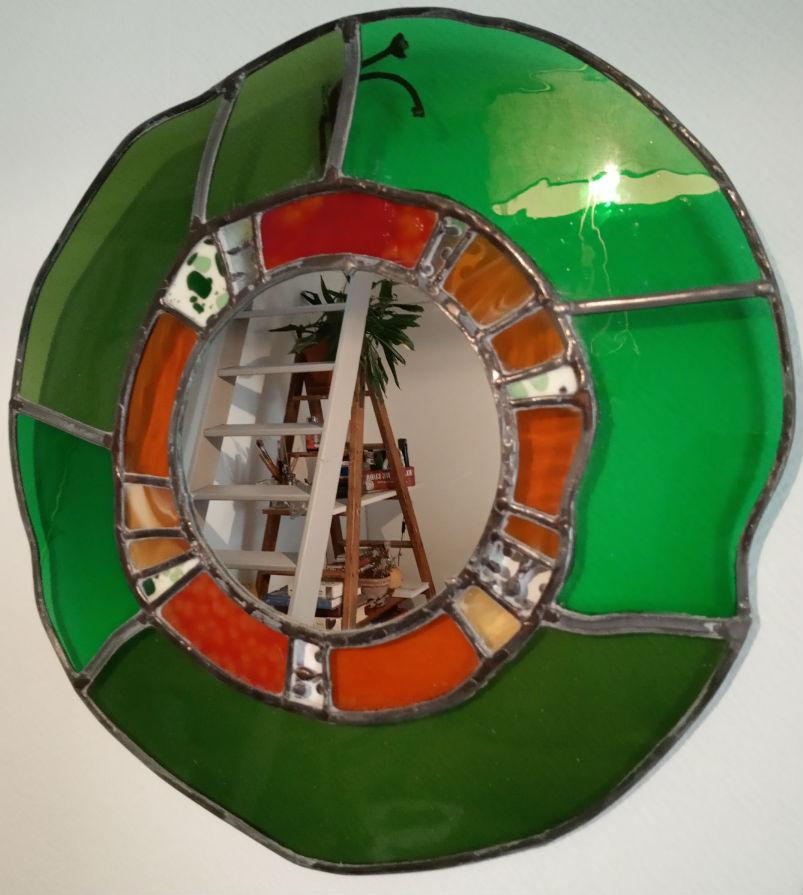 miroir vitrail artisanal vert et orange en vitrail